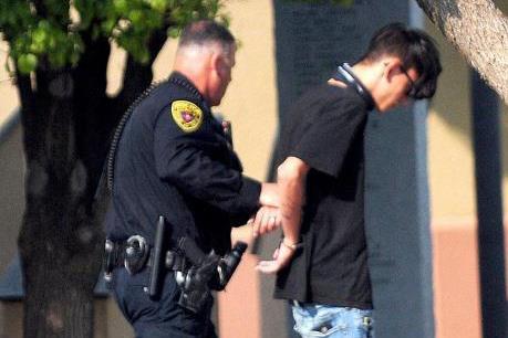 Thủ phạm vụ xả súng ở bang New Mexico ra đầu thú