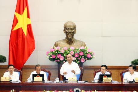 Thủ tướng Nguyễn Xuân Phúc:  Trong tháng 9 phải xử lý vướng mắc về thủ tục hành chính