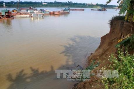 Phú Thọ đối mặt với nguy cơ vỡ đê kè, hồ đập