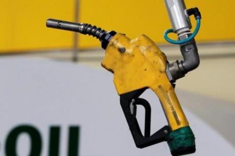 Mỹ: Giá xăng tăng gần 20% do ảnh hưởng siêu bão Harvey