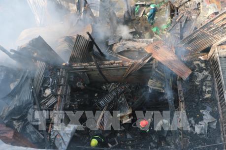 Hỏa hoạn thiêu rụi 3 căn nhà ở tỉnh An Giang