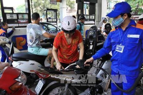 Giá dầu diesel tăng nhẹ, giá xăng giữ nguyên