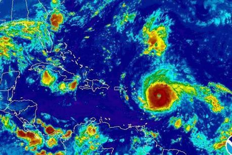 Tổng thống Mỹ Donald Trump ban bố tình trạng khẩn cấp trước siêu bão Irma