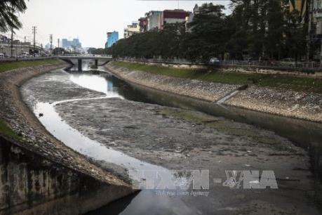 """Hà Nội cần làm gì  để """"giải cứu"""" các dòng sông ô nhiễm?"""