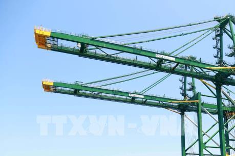 Doosan Vina xuất khẩu cẩu trục chạy ray bốc dỡ container sang Ấn Độ