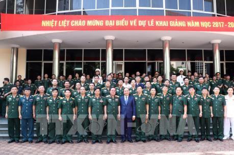 Thủ tướng dự lễ khai giảng năm học mới tại Học viện Quốc phòng