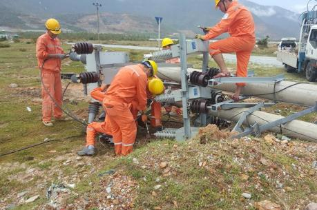 Bão số 10: EVN đã khôi phục cấp điện cho gần 1,35 triệu khách hàng
