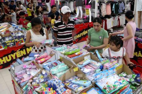 Làm sao để thúc đẩy sức mua trên thị trường nội địa?