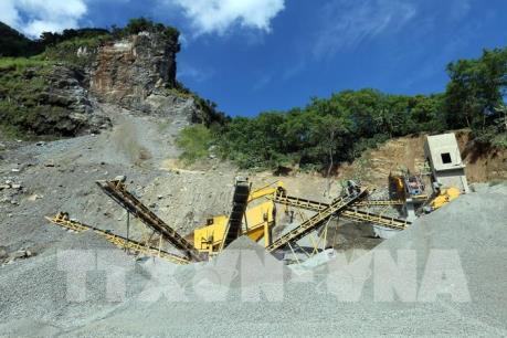 Nhiều sai phạm ở mỏ khai thác đá trên đèo Tằng Quái- Mường Ẳng (Điện Biên)