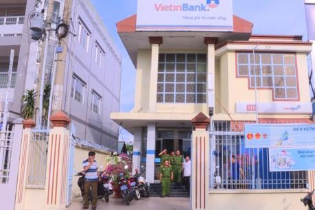 Truy tìm tung tích nghi phạm cướp ngân hàng Vietinbank tại Vĩnh Long