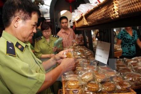 Xử phạt nghiêm các vi phạm an toàn thực phẩm tại Hà Nội