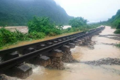 Một số tuyến đường sắt điều chỉnh kế hoạch chạy tàu do ảnh hưởng của áp thấp