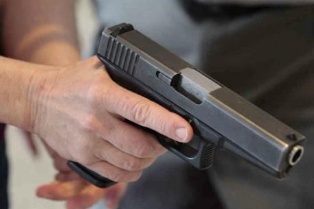 Dùng súng tự chế cướp tài sản để lấy tiền tiêu sài