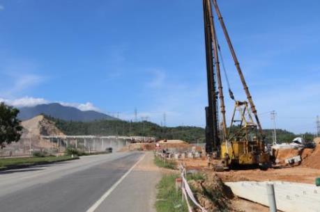 Sớm hoàn thành dự án cao tốc La Sơn - Túy Loan
