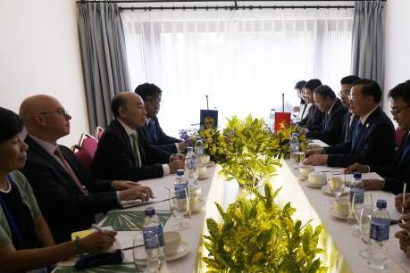 Bộ Tài chính làm việc cùng các đối tác nước ngoài quan trọng