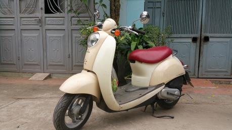 """Sau thời xe đạp điện, xe máy điện, giới trẻ có """"phong trào"""" sắm xe Scoopy"""
