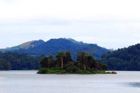 Cảnh đẹp Hồ Pá Khoang giữa thiên nhiên hùng vĩ