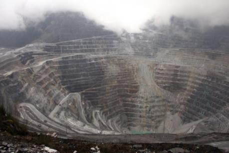 Nổ súng làm chết người tại mỏ đồng lớn thứ 2 thế giới ở Indonesia