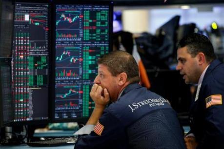 Thị trường chứng khoán Âu - Mỹ ảm đạm