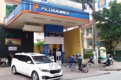 Tp. Hồ Chí Minh cơ bản hoàn thành dán tem thuế các trụ bơm xăng dầu