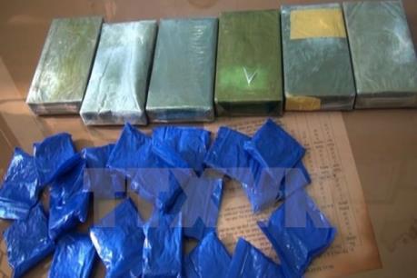 Tạm giữ hình sự đối tượng vận chuyển 8.000 viên ma túy tổng hợp