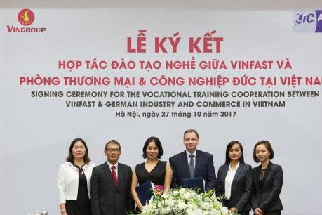 VINFAST ký hợp đồng hợp tác đào tạo nghề trong lĩnh vực cơ điện tử và cơ khí