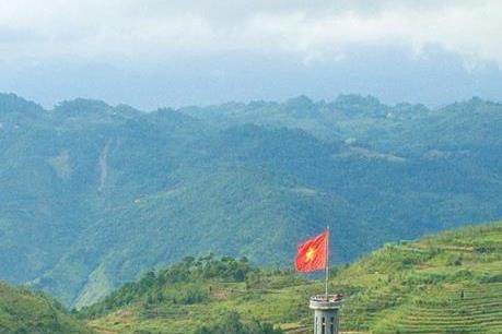 Không khí dịu mát hút du khách tìm đến Hà Giang