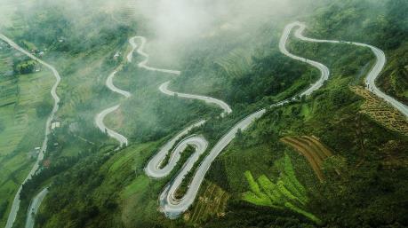 Ngắm cảnh quan thiên nhiên hùng vĩ, nguyên sơ ở Hà Giang