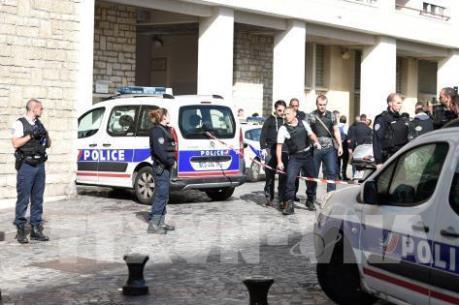 Luật chống khủng bố mới của Pháp có hiệu lực: 20 đối tượng sẽ bị quản thúc tại gia