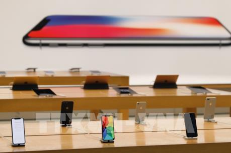 """iPhone X gây sốt tại """"đất nước hình chiếc ủng"""""""