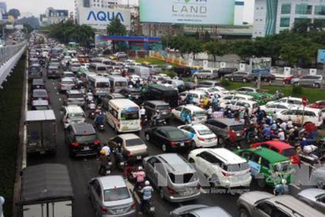"""Giải quyết ùn tắc cho sân bay Tân Sơn Nhất: Nâng cấp sân bay vẫn chưa được """"chốt lại"""""""