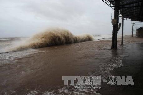 Hoàn lưu bão số 13 gây mưa rào và dông mạnh trên khu vực Bắc biển Đông