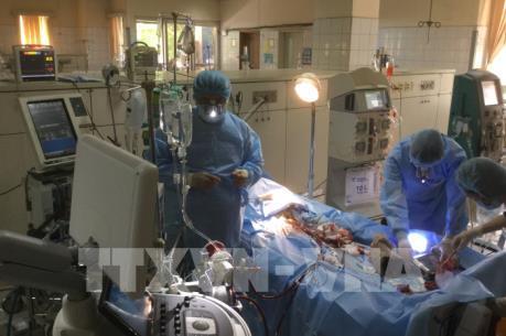 Khởi tố Phó Giám đốc và nguyên Trưởng phòng vật tư Bệnh viện đa khoa tỉnh  Hòa Bình