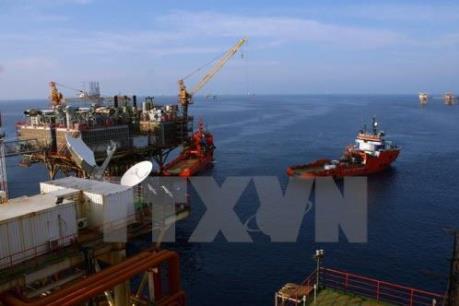 Giá dầu thế giới đảo chiều giảm do lo ngại dư cung