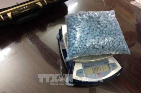 Bắt quả tang 2 đối tượng vận chuyển trái phép lượng lớn ma túy tổng hợp