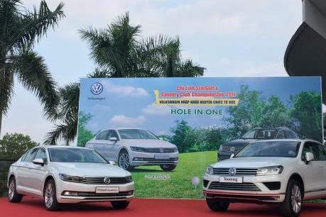 Volkswagen Việt Nam mang hai mẫu xe cao cấp tài trợ Giải Golf Hole In One