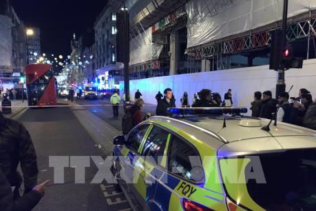 Anh: Nổ súng tại ga tàu điện ngầm ở London