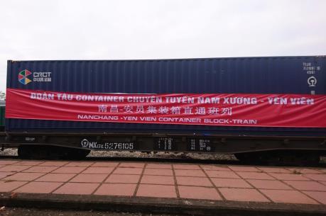Đón đoàn tàu chuyên container đầu tiên liên kết giữa Việt Nam và Trung Quốc