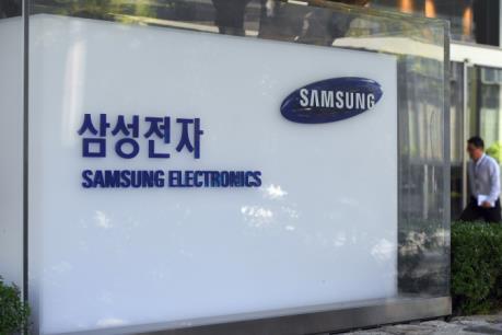 Samsung Electronics thu hẹp khoảng cách về doanh số bán với Apple