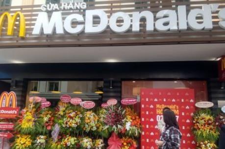 Cửa hàng McDonald's đầu tiên tại Hà Nội trước giờ khai trương
