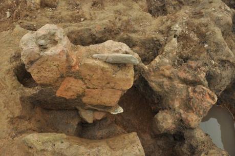 Nguy cơ phá hủy di chỉ khảo cổ học Vườn Chuối (Hà Nội)