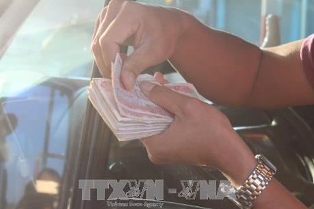 Tái diễn dùng tiền lẻ mua vé tại trạm thu phí đường tránh Biên Hòa - Đồng Nai