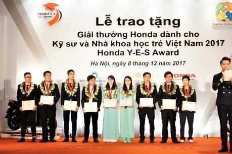Honda trao giải thưởng cho các kỹ sư và nhà khoa học trẻ Việt Nam