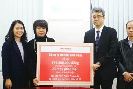 Honda Việt Nam hỗ trợ người dân các tỉnh Nam Trung bộ bị thiệt hại do bão