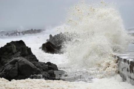 Dự báo thời tiết: Áp thấp nhiệt đới cách quần đảo Trường Sa 160km về phía Tây