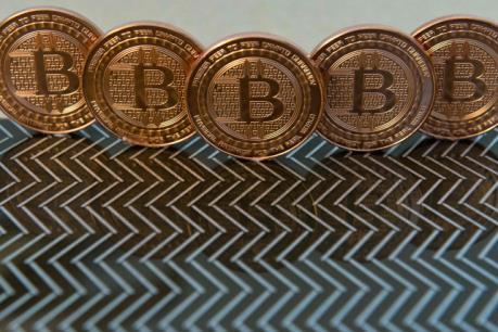 Xung quanh vấn đề giám sát tiền ảo trong mua bán chứng khoán
