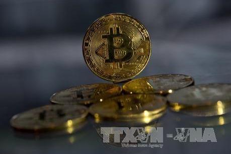 """Hội chứng """"giấc mơ tương lai"""" trong cơn lốc bitcoin: Bài 2 - Tiền ảo, tổn thương thật"""