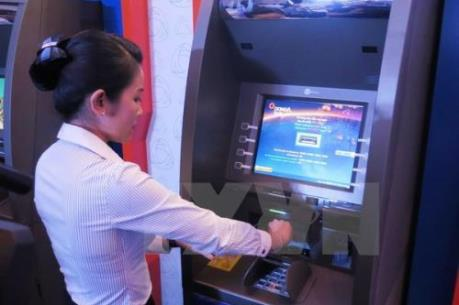 Ngân hàng Nhà nước chưa cho phép các ngân hàng thương mại tăng phí rút tiền nội mạng