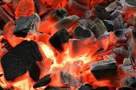 Dùng than củi để sưởi ấm, nên hay không?