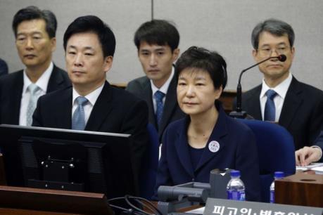 Bà Park Geun-hye từ chối trả lời thẩm vấn
